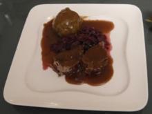 Sauerbraten rheinische Art mit Klößen und Rotkohl - Rezept
