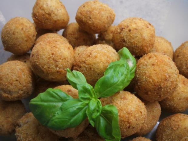 Kartoffeln: Kartoffelbällchen mit Nuss - Rezept