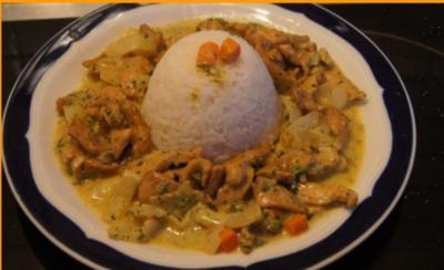 Hähnchenbrustfilet in Kochsahne und Reis - Rezept