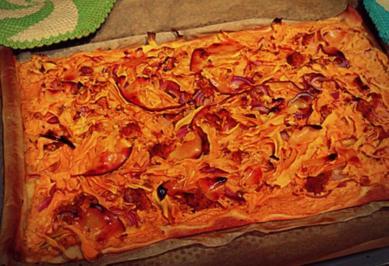 Flammkuchen mit Süßkartoffeln und Harissacreme - Rezept