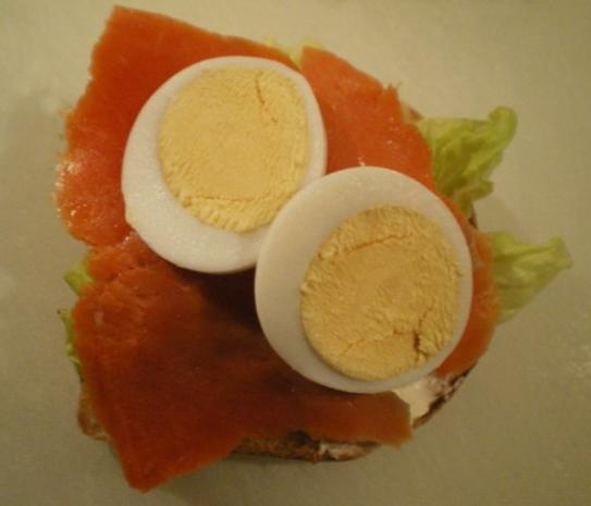 Lachs Toast mit Kapern und Zwiebel - Rezept - Bild Nr. 7