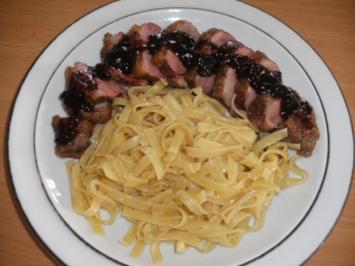 Rezept: Fleisch: Entenbrust mit Preiselbeersauce