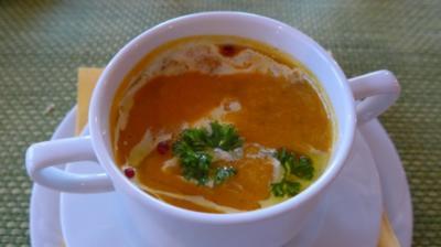Karotten - Sahne - Suppe mit rotem Pfeffer - Rezept