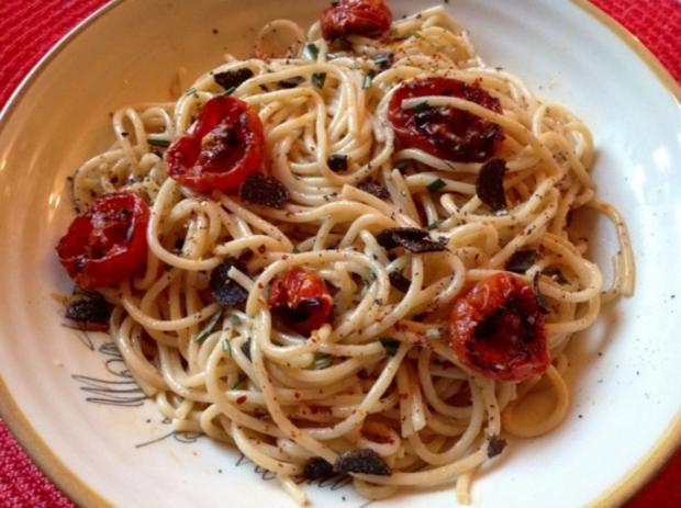 Spaghetti mit Trüffel, halbgetrockneten Kirschtomaten und Orangen-Sahnesoße - Rezept - Bild Nr. 2