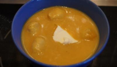 Curry-Kartoffelcremesuppe mit Einlage - Rezept