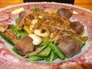 Maronen-Feld-Salat mit Feigencarpaccio, gerösteten Cashewkernen und Honig-Senf-Dressing - Rezept