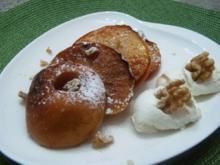 Knusprige Apfelringe mit Marzipansahne - Rezept
