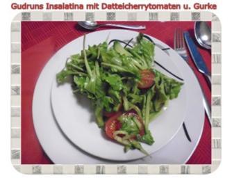 Salat: Insalatina mit Dattelcherrytomaten und Gurke in Honig-Senf-Orangendressing - Rezept