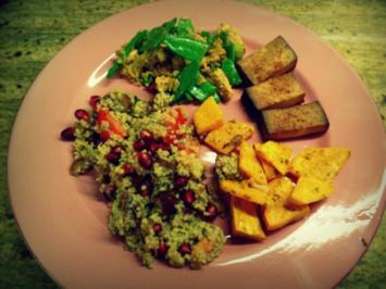 Vegetarisch: Granatapfel-Bulgur-Taboulé mit Süßkartoffeln und Tofu - Rezept