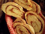 Brot: Baguette mit Röstzwiebeln und Schmelzkäse, Zubereitung mit dem Thermomix - Rezept
