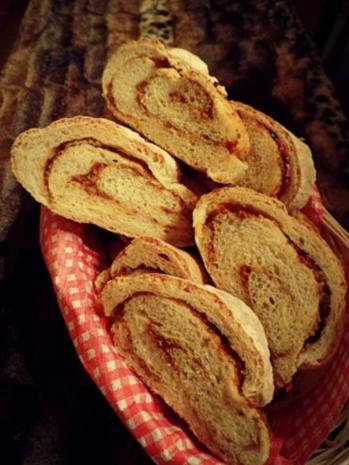 Pizzabrot Thermomix brot baguette mit röstzwiebeln und schmelzkäse zubereitung mit dem