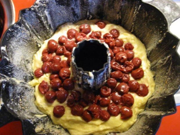Kirsch - Gugelhupf mit Marzipan - Rezept - Bild Nr. 9