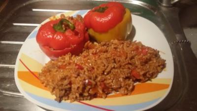Rezept: Gefüllte Paprika mit Hack und Reis