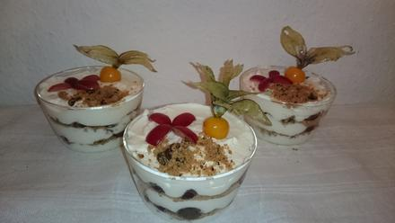 Schichtdessert mit Quark, Cookies und Weintrauben - Rezept - Bild Nr. 2