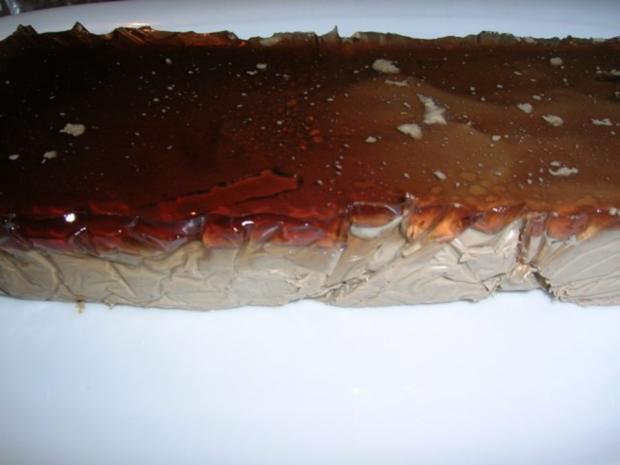 Gänselebermousse mit Portweingelee und glasierten Birnenspalten - Rezept - Bild Nr. 2