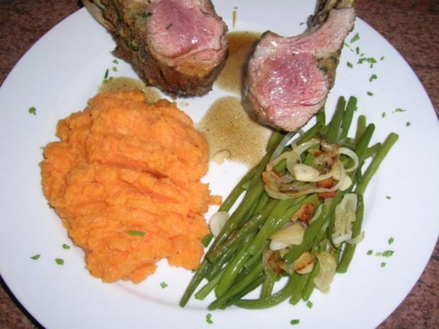 Lammkarree - überkrustet - mit Keniabohnen und Süßkartoffelpüree - Rezept - Bild Nr. 2