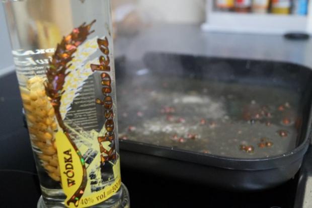 Hüftrindersteak  und roten /schwarzen eingelegten Pfefferkörnern - Rezept - Bild Nr. 5