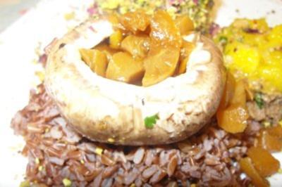 Mit Aprikosen gefüllter Portobello, Camargue Reis mit Erdnusschutney und Avocado Trüffel - Rezept