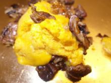 Liebevolles Kürbiseis mit kandierten Pekannüssen - Rezept