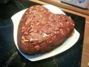Schoko-Walnußkuchen mit salziger Karamellsoße - Rezept