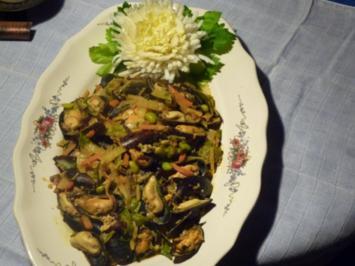 Rezept: Miesmuscheln an Gemüse-Currysauce