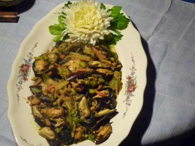 Miesmuscheln an Gemüse-Currysauce - Rezept