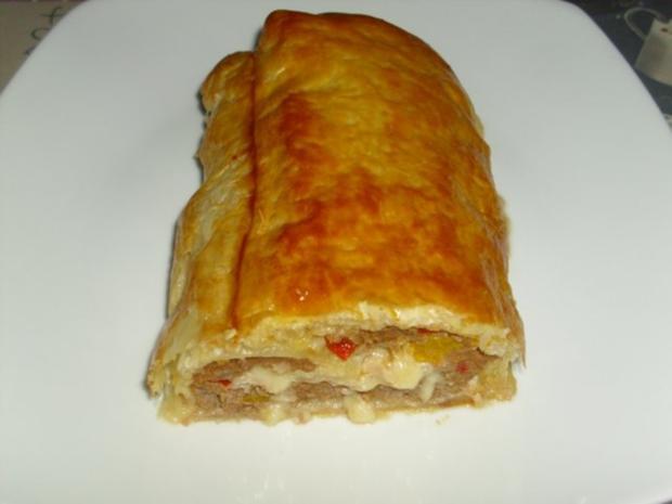 Fleisch Käse Strudel - Rezept