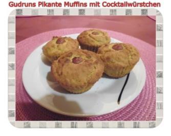 Muffins: Pikante Muffins mit Cocktailwürstchen - Rezept