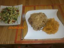 Koteletts mit einer deftigen Zwiebelsoße - Rezept