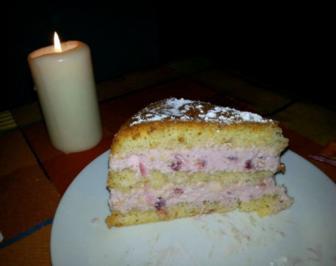 Leichte Preiselbeersahne-Torte - Rezept