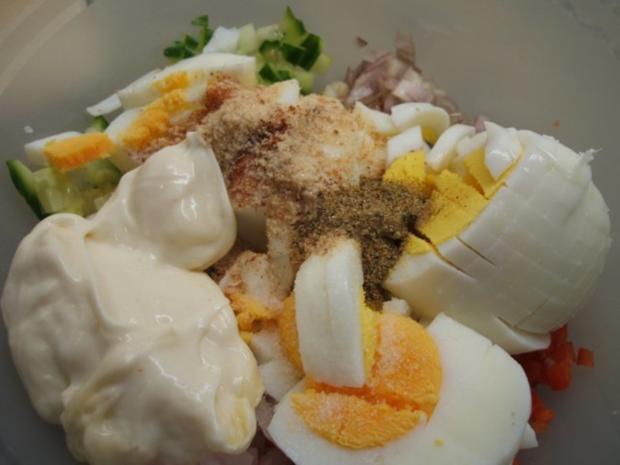 Salate: Eiersalat mit Paprika und Gurke - Rezept - Bild Nr. 4