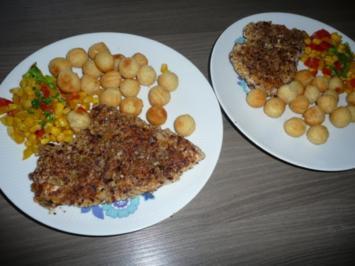 Putenschnitzel in Haselnuss - Panade, an Balkangemüse und Kartoffelbällchen ! - Rezept