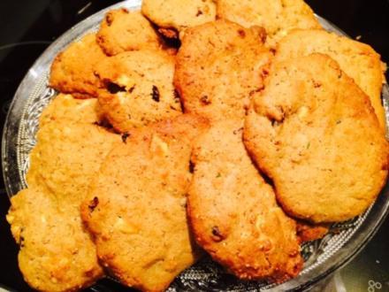 Cranberry-Granola-White Choc-Cookies - Rezept