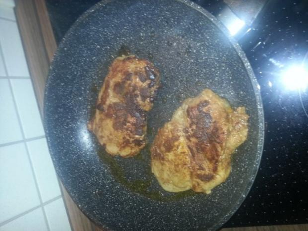 Knackiges Tabouleh mit pikanten Schweinenackensteaks in Tikka Sauce - Rezept - Bild Nr. 5
