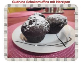Muffins: Schokomuffins mit Marzipan - Rezept