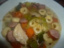 Gemüsesuppe mit Käsetortellini - Rezept