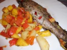 Fisch: Forelle mit Gemüse-Obst-Pfanne - Rezept