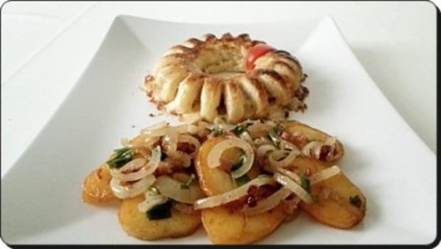 Chili Wiener im Cheddar Käse-Blätterteig-Mantel  aus dem Backofen und Bratkartoffeln dazu - Rezept - Bild Nr. 17