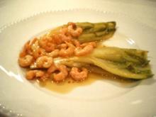 Chicorée mit Shrimps gedünstet - Rezept