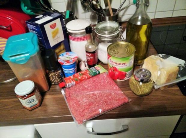 Cannelloni mit cremiger Hackfleischfüllung überbacken mit Tomatensugo - Rezept - Bild Nr. 2