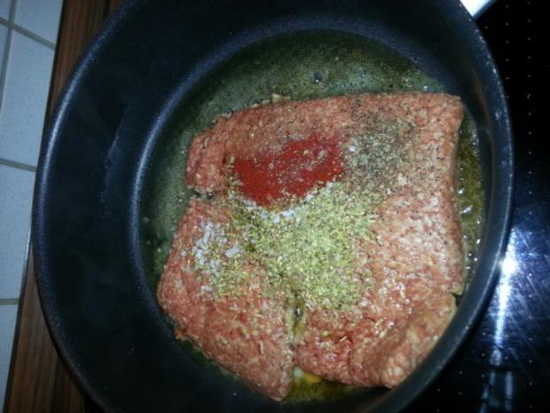 Cannelloni mit cremiger Hackfleischfüllung überbacken mit Tomatensugo - Rezept - Bild Nr. 3