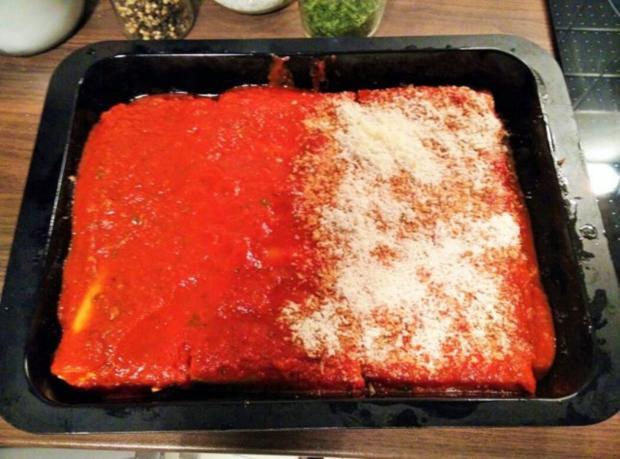 Cannelloni mit cremiger Hackfleischfüllung überbacken mit Tomatensugo - Rezept - Bild Nr. 9