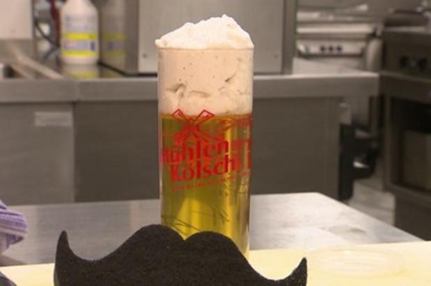"""""""Kölsche Waggel-Pitter"""" - Kölscher Wackelpudding (Henning Krautmacher) - Rezept"""