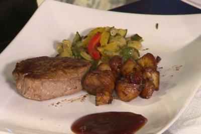 Rinderfilet mit Portweinsoße und Balsamico Drillingen an Gemüse (Frank Reudenbach) - Rezept