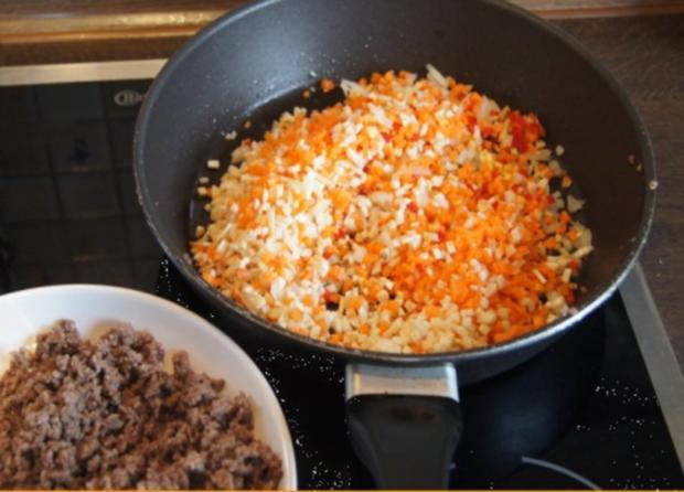 Nudeln mit Sauce und Salat - Rezept - Bild Nr. 7