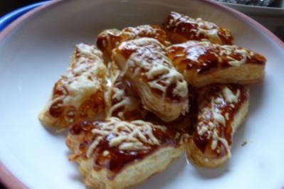 Rezept: Blätterteig-Käsfüsse