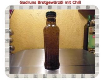 Öl: Brotgewürzöl mit Chili und Tellicherry-Pfeffer - Rezept