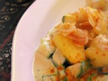 Vegetarische indische Zucchini-Frischkäse-Pfanne mit karamellisierten Ananas - Rezept