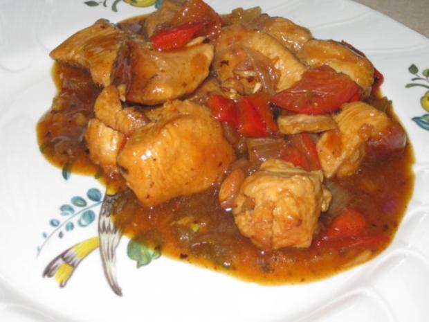 Putengulasch mit Paprika und Zwiebeln - Rezept - Bild Nr. 2