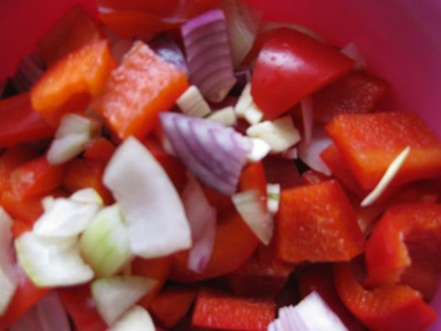 Putengulasch mit Paprika und Zwiebeln - Rezept - Bild Nr. 3